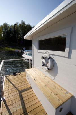 Vattentät förvarinslåda på bastuflotten