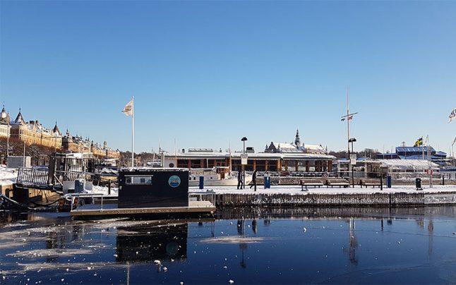 Köp vår bastuflotte på Strandvägen i Stockholm