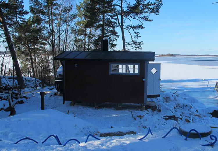 Vacker utsikt från bastustugan i Norrtäljes skärgård