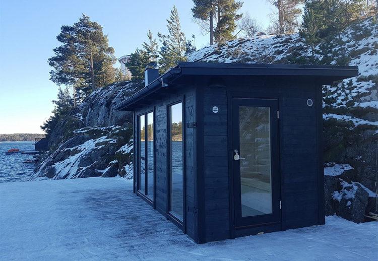 Nya gårdsbastu Ella i Tynningö