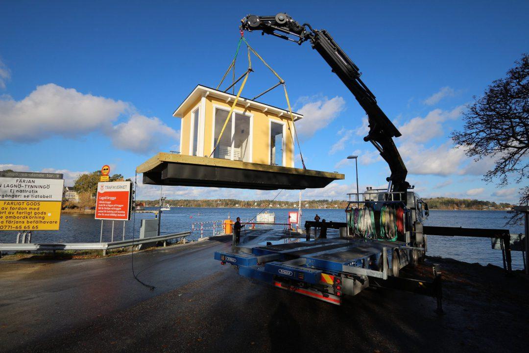 Bastuflotte med helglasade fönster - storlek 9,7 kvm