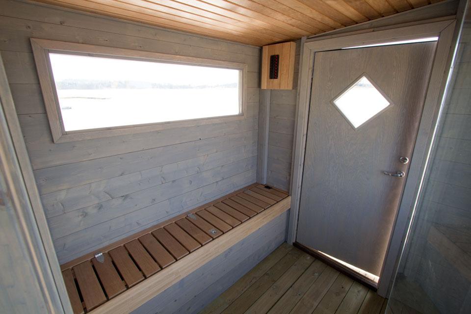 Bastuflotte Svea med gråa väggar och värmebehandlad asp - Marinbastun