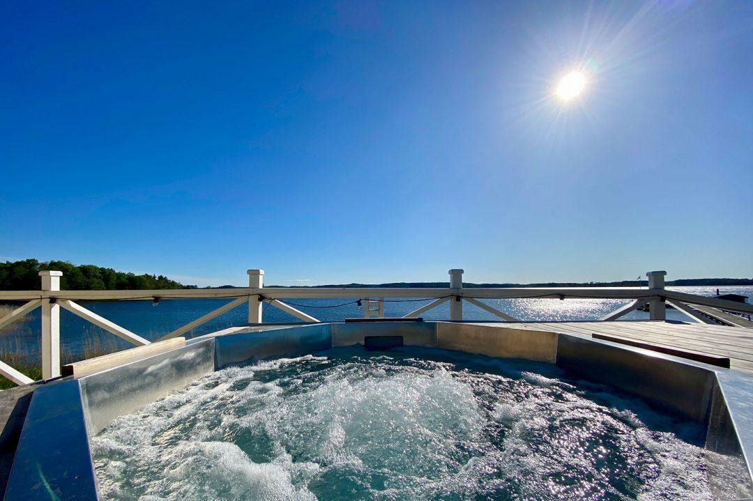 Fin bastuflotte Alice XL till Krägga Herrgård