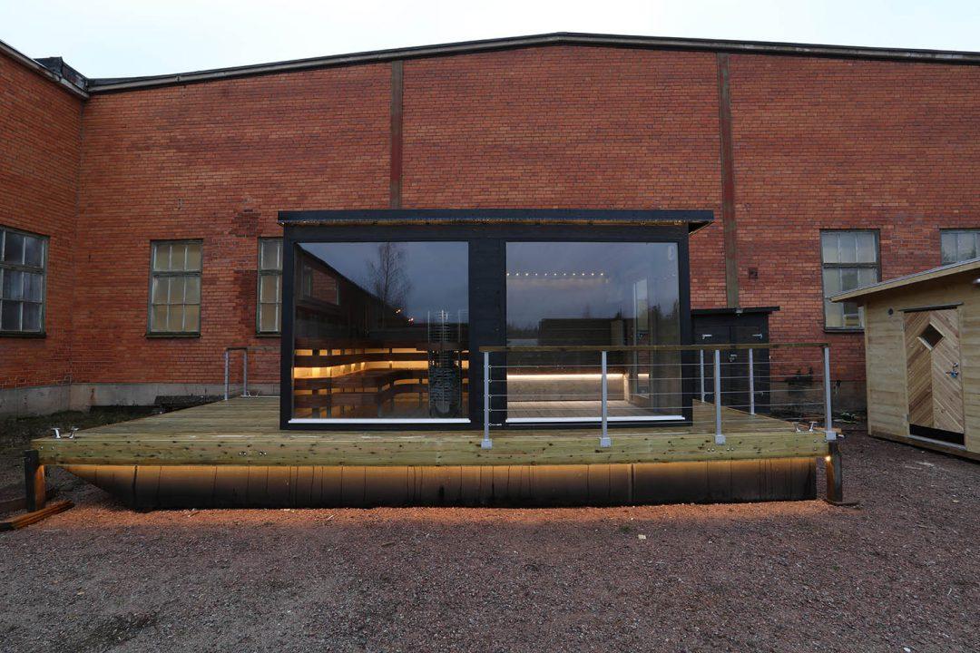 Bastubåt med helglasfönster – Frank XL från Marinbastun