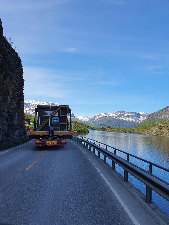 På väg till Norge med bastubåt Melvin