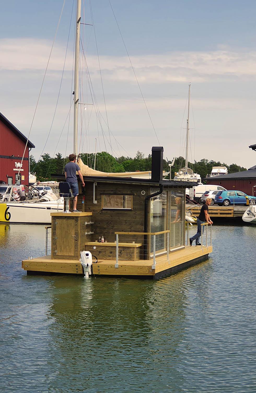 Bastuflotte till sitt nya hem
