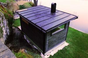 För den som önskar kan vi erbjuda vackra tak gjorda med bandplåt